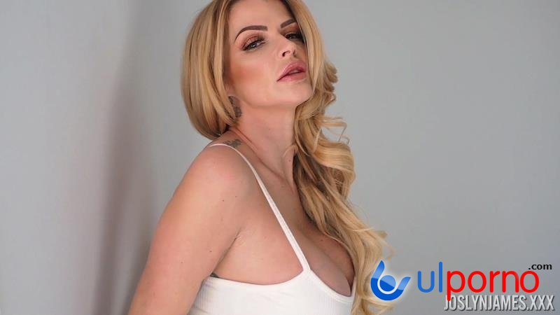 Joslyn James - In Beautiful In White (Milf) [SD]