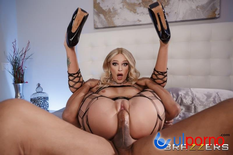 Emma Hix - Caught In Her Net (Blowjob) [SD]