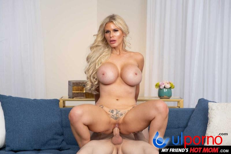 Casca Akashova - Sexy Casca Akashova Likes To Fuck And Suck On Young Cock (Blonde) [SD]